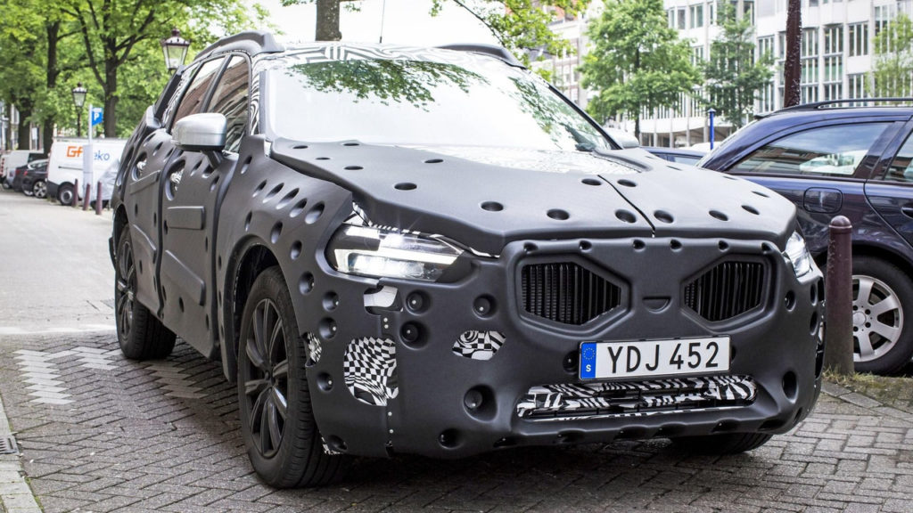 2018-volvo-xc60-spy-shoot-exterior-look
